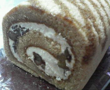 渋皮栗のロールケーキ